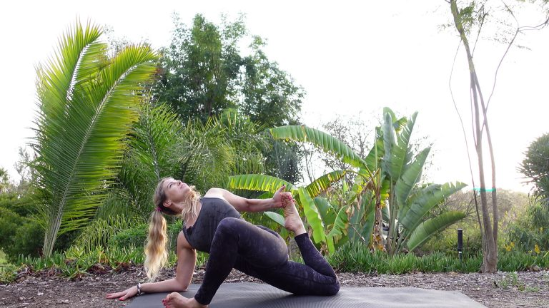 10 Minute Yoga Flow with Hip Opener for Strength and Mobility Video